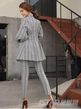 经典格纹修身时尚休闲西装裤