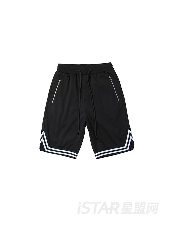 运动风拼接短裤