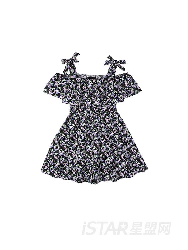 碎花吊带连衣裙