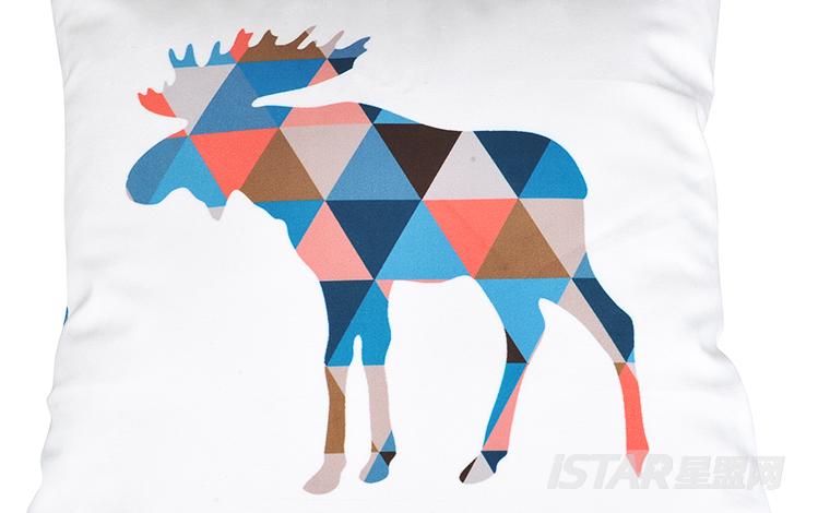 撞色创意几何拼图麋鹿抱枕图片